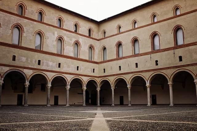 Milano in un giorno, Castello Sforzesco